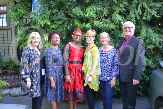 Carol Simon, honorees Flora Fabian and Rebeka Gurti, event co-chair Janice DaVolio, Phil Simon Clinic founder Dr. Kimberly Shriner and co-chair Mark Powell