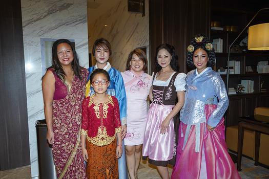 Kathy Chien, Joyce Lafko, Morgan Chou, Cindy Yung, Weni Wilson and Carol Huang